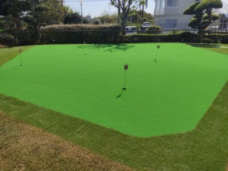 有料パター練習場の人工芝が新しくなりました。